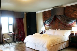 Choice of single, twin or double rooms at Accolades Accommodation and Wedding Venues in Midrand