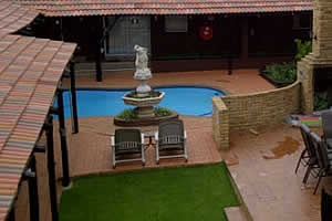 eNJOY THE FACILITIES AT aKWEJA gUEST hOUSE IN mIDRAND