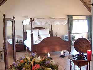 Valverde Country Hotel offers elegant luxury accommodation in Muldersdrift
