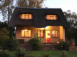 Kwa-Empengele luxury cottages are fully equipped for self catering accommodation in the Cradle of Humankind